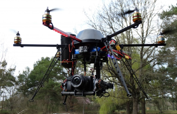 NOS DRONES : Hexacoptere Flying EYE - MARCEAU DRONE IMAGES